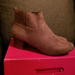 dream pairs Kenny boot taupe 8.5